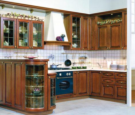 Купить кухню с фасадами массив.
